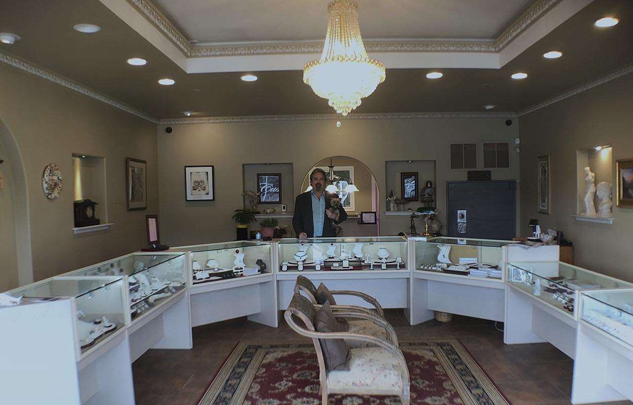 custom jewelers shop image